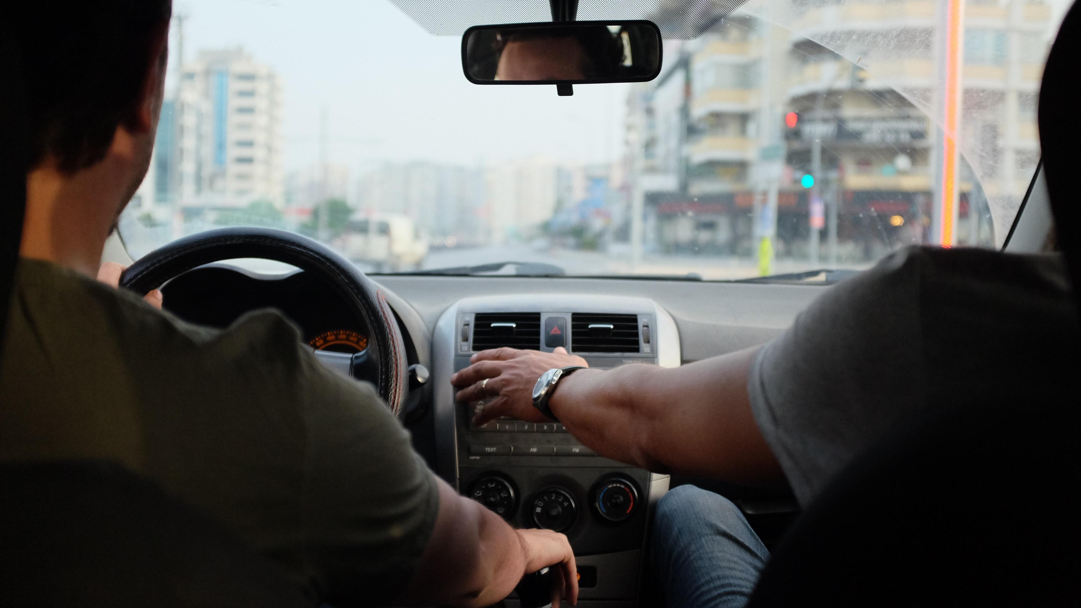 Kørselsfradrag: Hvornår kan du få det, og hvad er satserne?